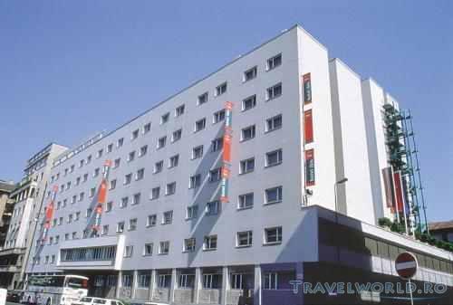 Hotel ibis milano centro milano for Hotel milano centro economici